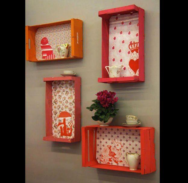 caixotes de feira coloridos na cozinha