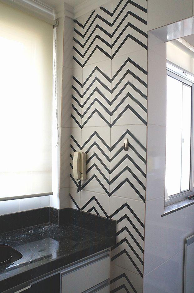 Como decorar paredes com fita isolante