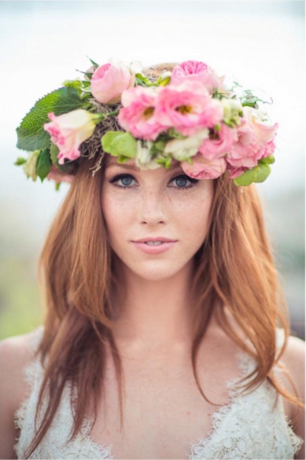 coroa com flores grande