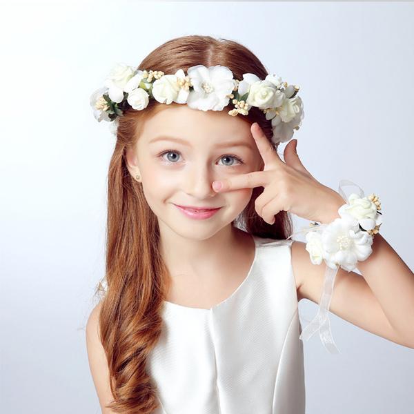 coroa com flores para daminhas
