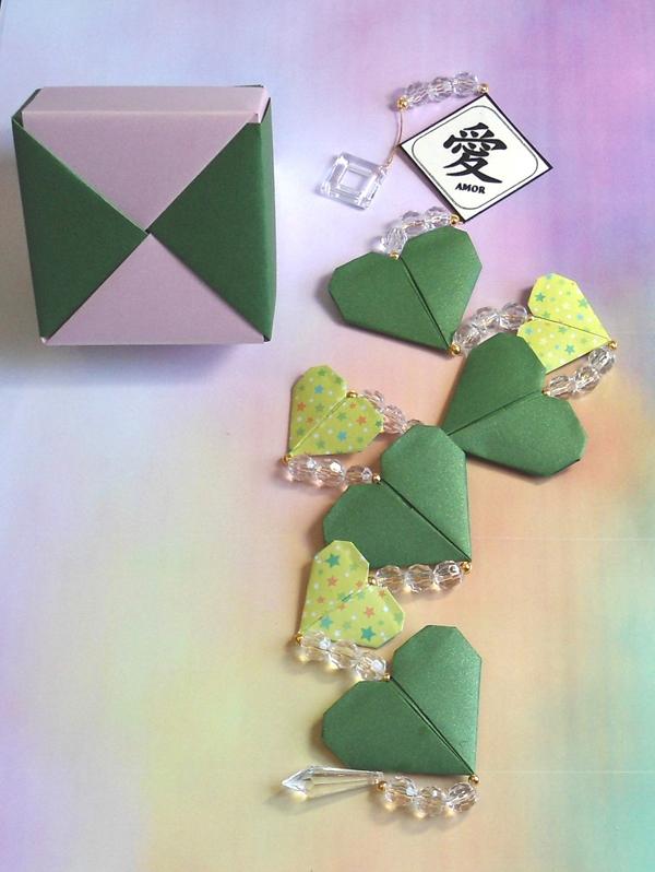 móbile de origami de coração