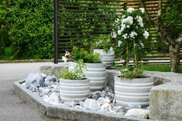 vaso de concreto com listras