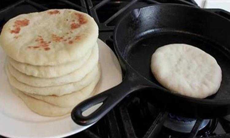 Saiba como fazer um delicioso pão caseiro de frigideira qa