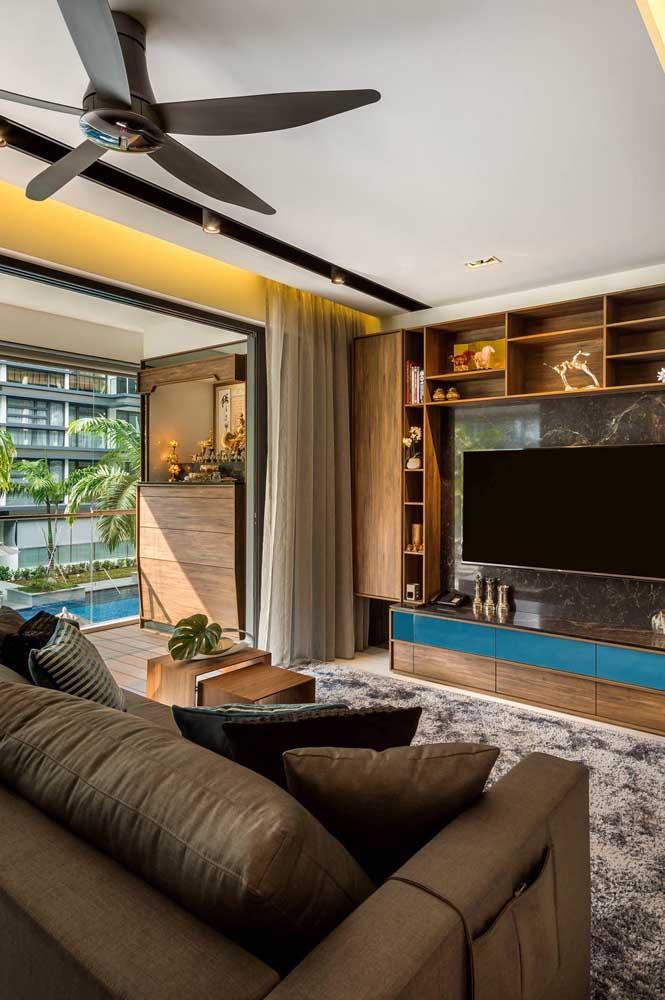 A sala de TV deve ser um dos espaços mais confortáveis da casa.