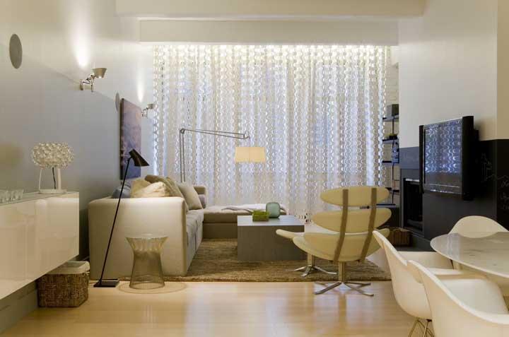 Veja como uma cortina diferenciada ajuda a valorizar o ambiente.