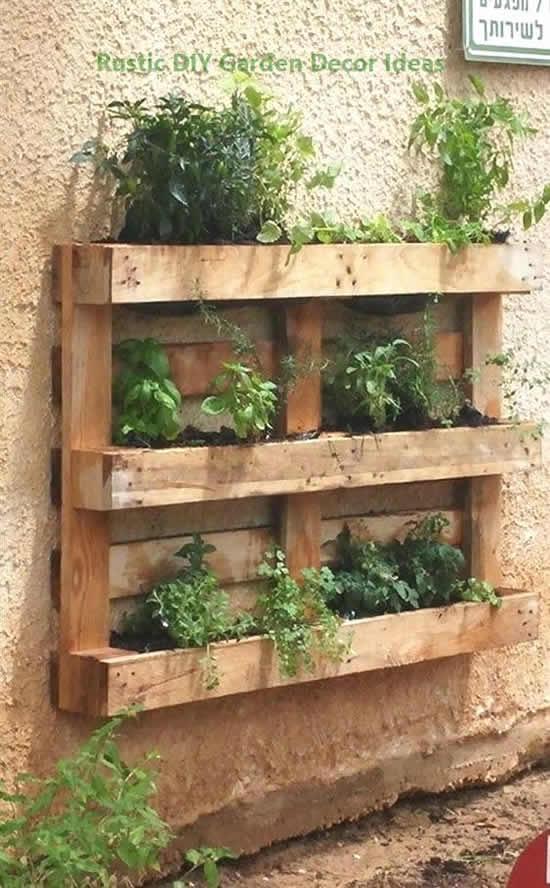 Ideia com pallets para jardim