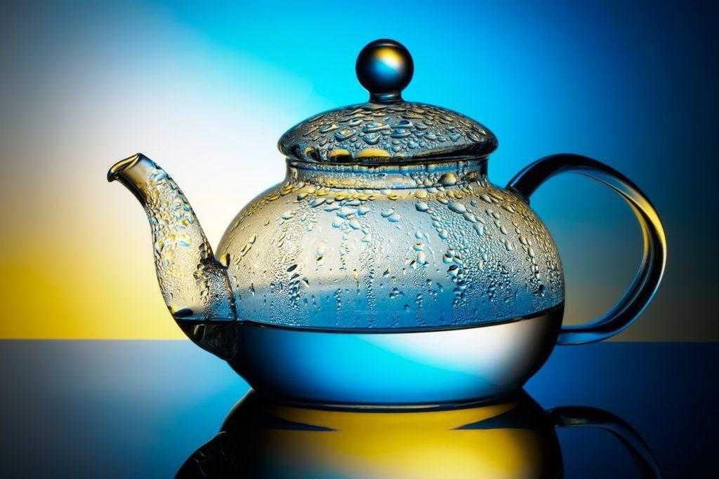 Os 6 poderes de cura da água quente