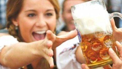 Photo of Mulheres que tomam cerveja têm menos chances de infartar