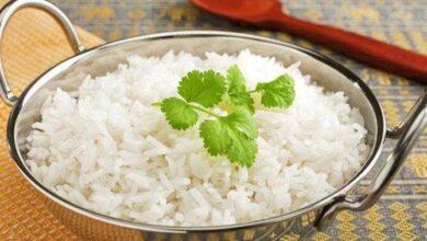 Como tornar o arroz branco mais saudável e menos calórico