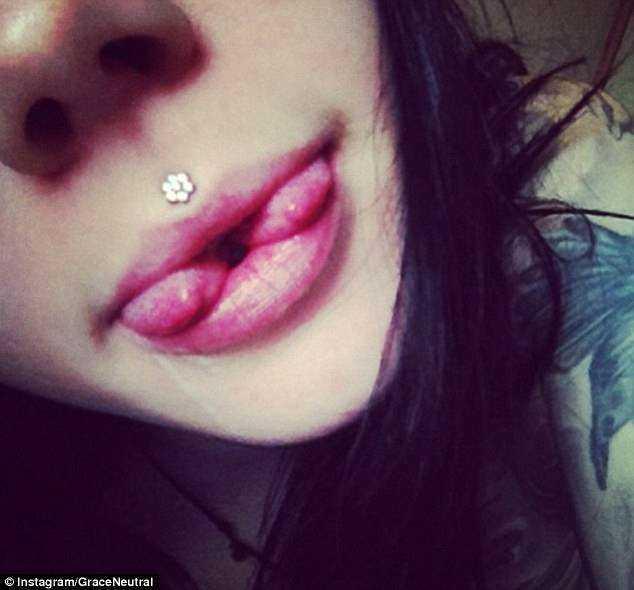 Garota tatuou os OLHOS, cortou a língua no meio e removeu o umbigo para se parecer com uma fada