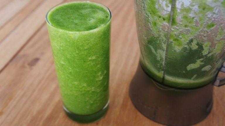 Pare a dor de cabeça com o suco verde