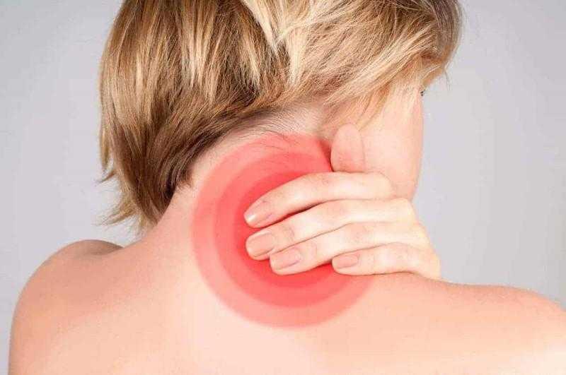 Você sente dor no pescoço? Veja 6 possíveis causas