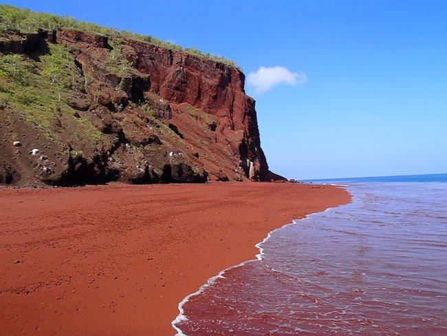 23-15-praias-que-nao-sao-nada-como-as-que-voce-esta-acostumado-ver