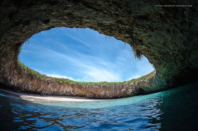 4-15-praias-que-nao-sao-nada-como-as-que-voce-esta-acostumado-ver