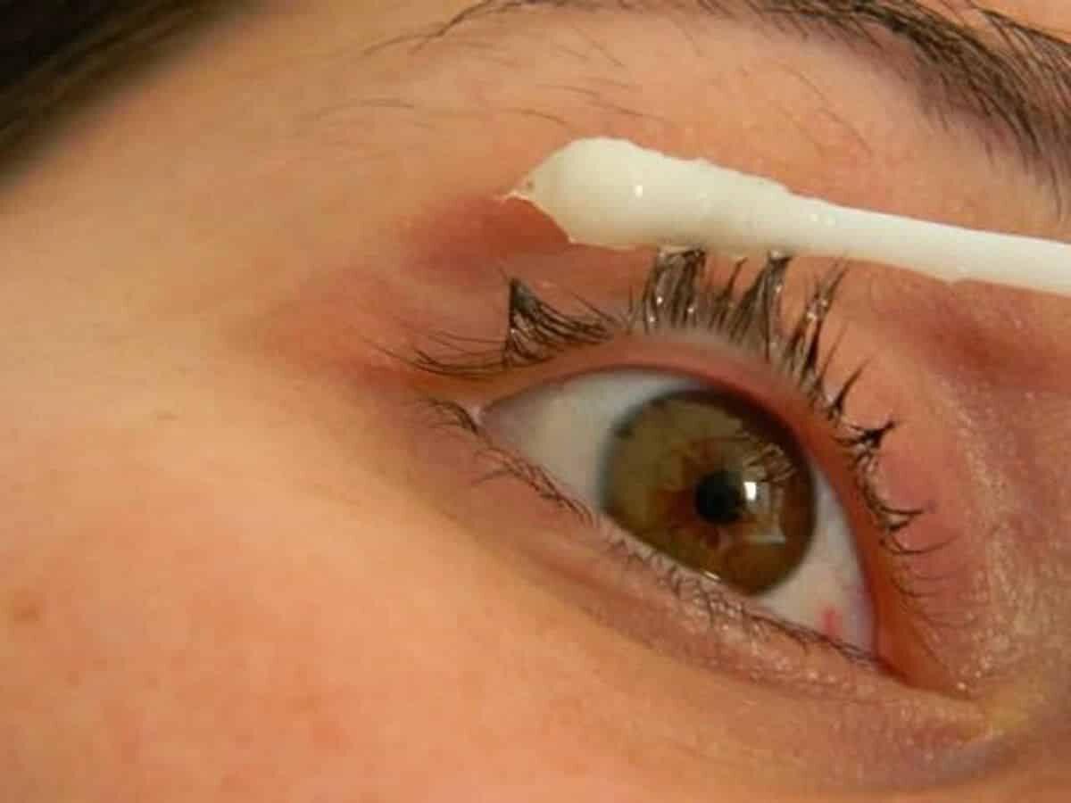 Tratamento caseiro para aumentar o tamanho dos cílios