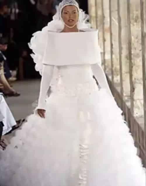 14 Vestidos de noiva que nunca deveriam ter sido usados
