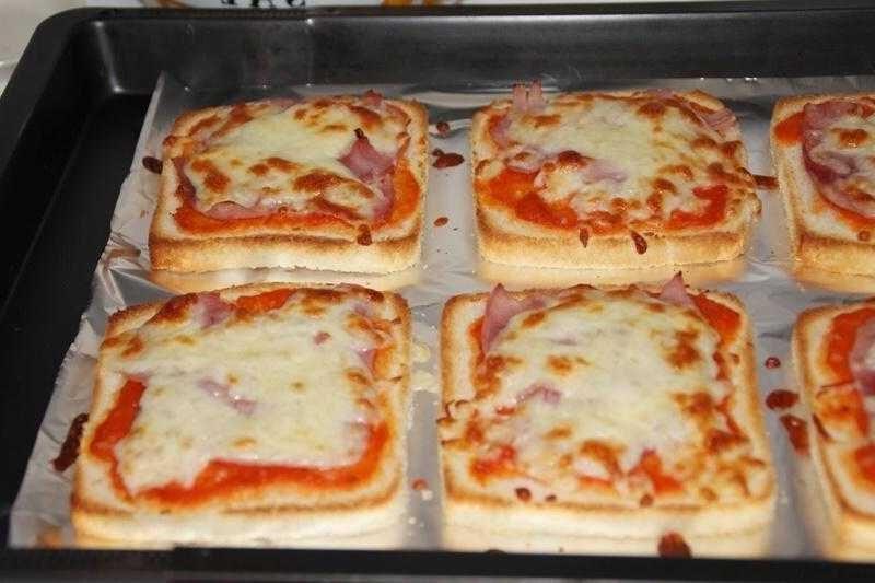 Como Fazer Pizza de Pão de Forma f3