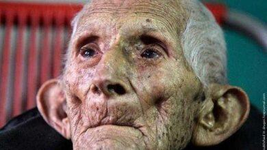 Foto de Este Velho Homem MORREU no hospital, Mas uma Enfermeira Encontrou uma CARTA que lhe deixou em LÁGRIMAS!