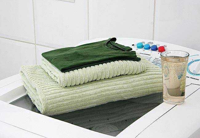 Como amaciar toalhas de banho com vinagre