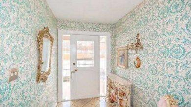 Uma senhora de 96 anos quer vender sua casa. O corretor não acredita no que encontrou dentro.