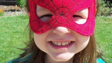 Foto de Máscara de Homem Aranha em Feltro com Molde