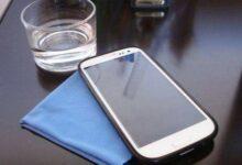 Foto de Como limpar celular corretamente