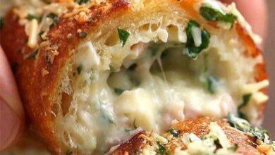 Foto de Aprenda a fazer um delicioso pão de alho recheado com presunto e queijo