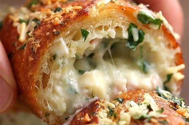Aprenda a fazer um delicioso pão de alho recheado com presunto e queijo f