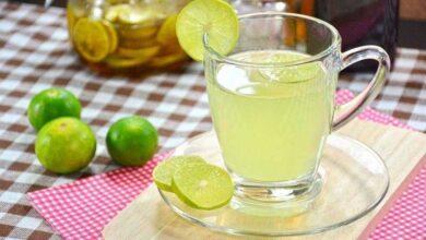 Foto de 10 benefícios de beber água morna com limão de manhã
