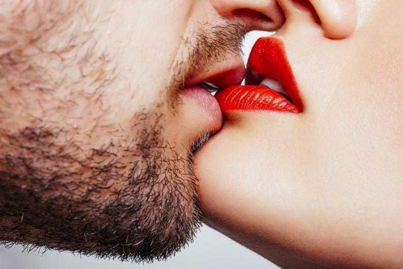 10 Dicas de como deixar um homem louco com um beijo