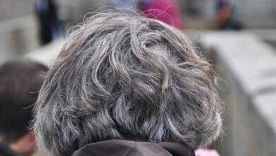 Foto de 4 razões pelas quais seu cabelo está ficando grisalho antes do esperado
