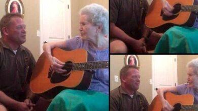 Esta mãe com Alzheimer se lembra de tudo quando canta com o filho