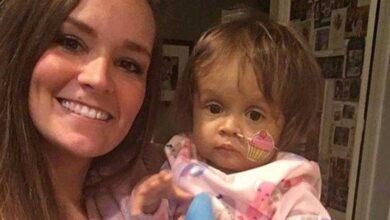 Foto de Garota de 22 anos foi contratada para cuidar desse bebê durante 3 semanas. Mas os pais jamais esperavam que ela fizesse isso