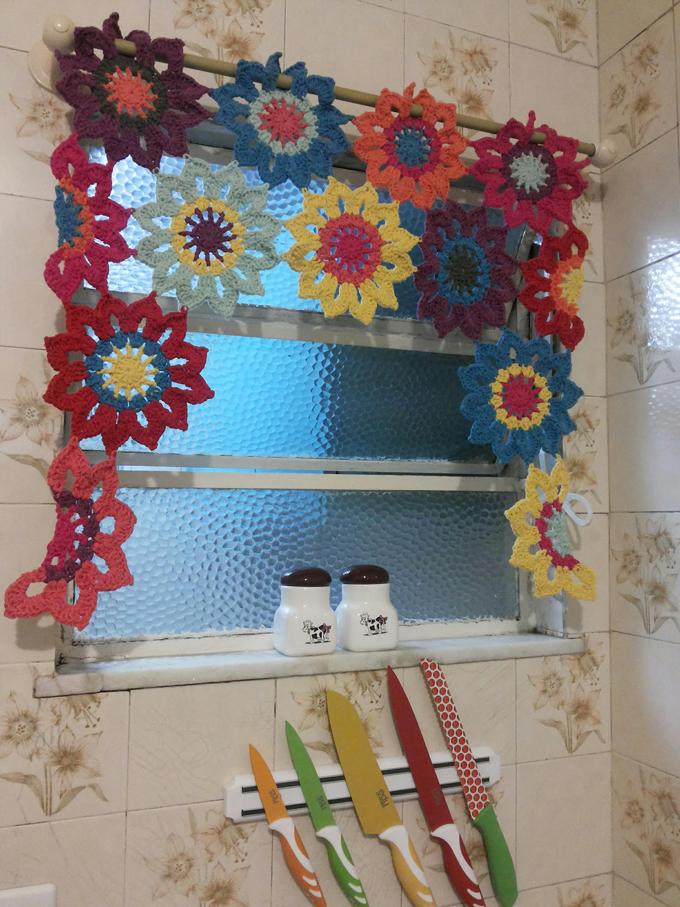cortinas de flores em crochê