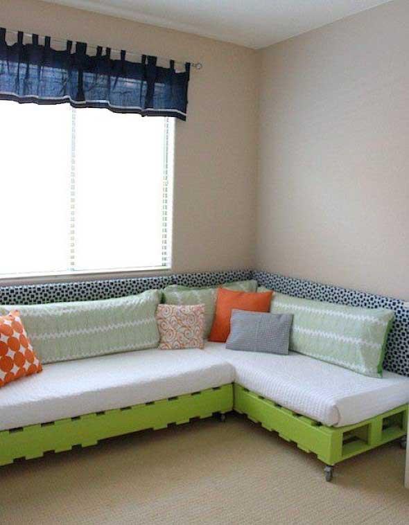 Como fazer um sofá de paletes 1