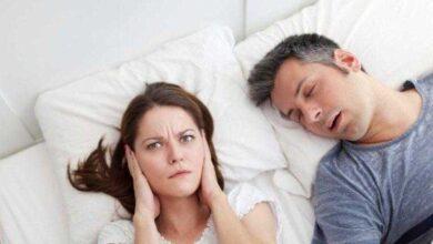 Foto de 3 tratamentos caseiros para parar de roncar