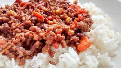 Carne picada com arroz branco