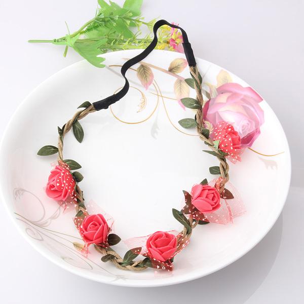 coroa com flores e rosas