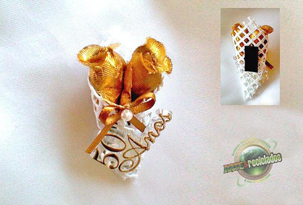 lembrança bodas de ouro imã de geladeira