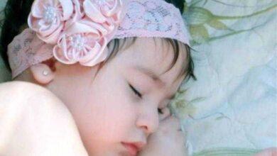 Foto de Bebê de apenas 14 semanas morre por causa de fita de cabelo. E mãe deixa alerta para todos