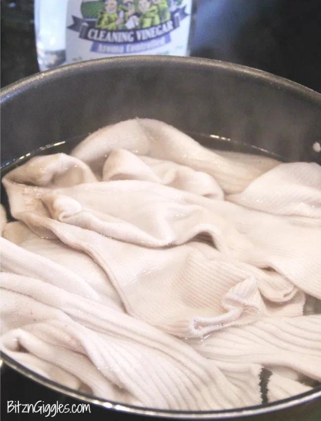 8 Dicas para remover mancha de desodorante das roupas