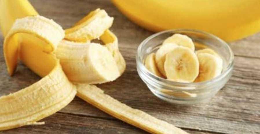 Banana e Bicarbonato De Sódio: a Mistura Simples Que Está Surpreendendo as Mulheres Porque é Capaz de Eliminar Marcas e Rugas do Rosto!