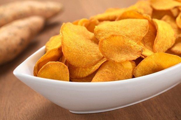 Como fazer chips de cenoura