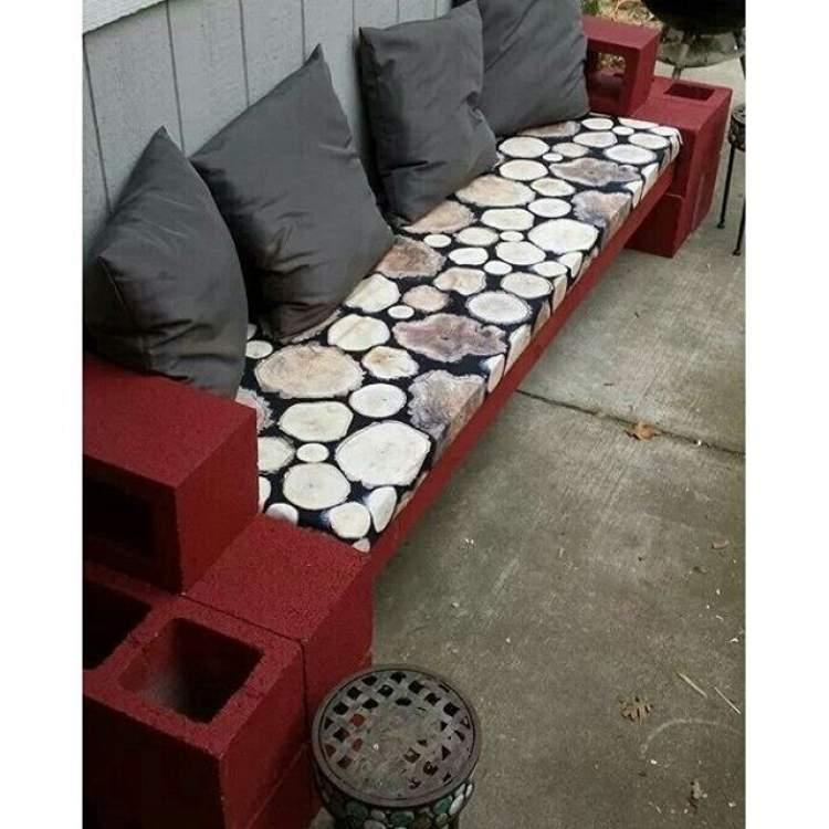 Banco de concreto para decorar a varanda ou sacada