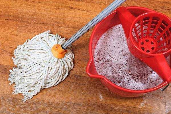 Como fazer limpador de pisos caseiro