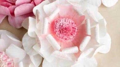 Como fazer flores de pratinhos descartáveis