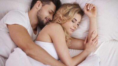 Ficar agarradinho com seu amor melhora a relação, reduz ansiedade e faz bem a saúde