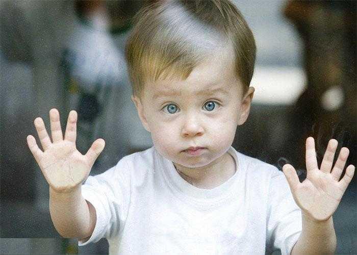 Aprenda a identificar os 3 primeiros sinais de uma criança autista