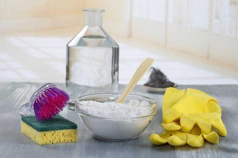 Prepare os seus próprios produtos de limpeza e deixe a sua casa num brilho
