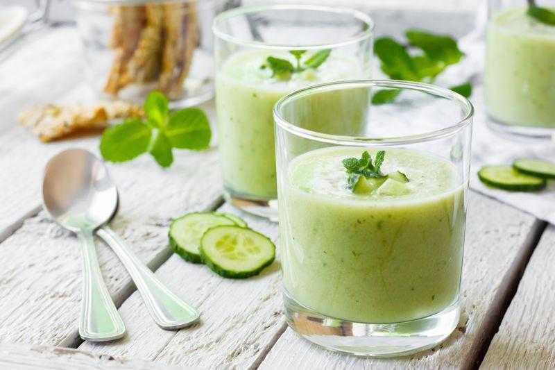 5 Benefícios incríveis do suco de pepino